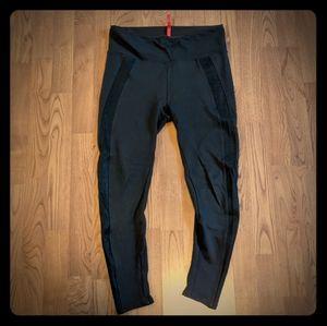 Spanx Dark Brown Leggings Pants Reptile Stripe